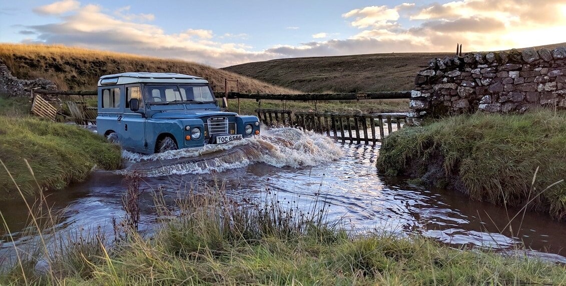 4WD driving - water crossing